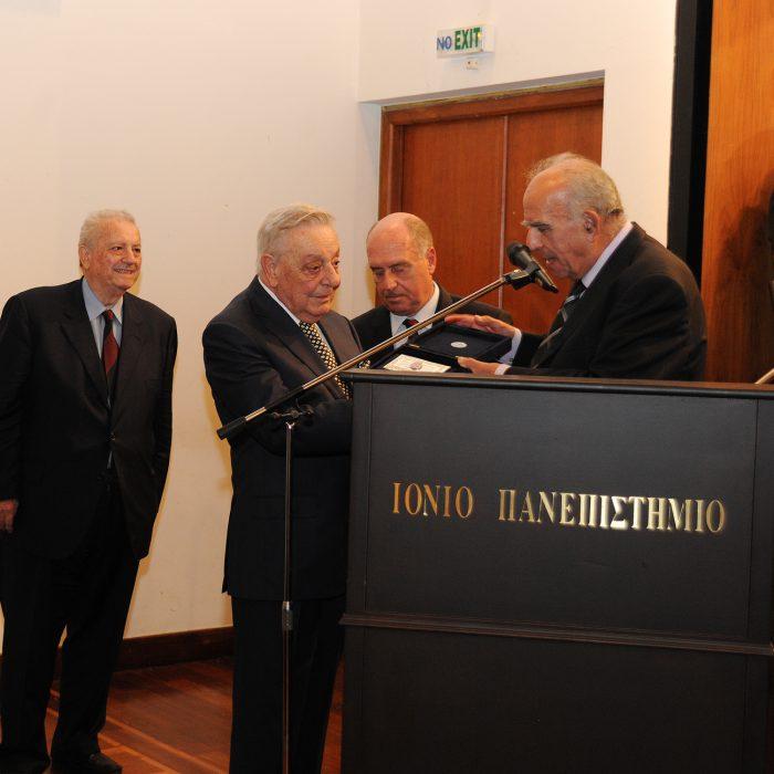 Αναλαμβάνει ετήσια χορηγία ο Μεγάλος Ευεργέτης του Μουσείου, Κερκυραίος επιχειρηματίας, κάτοικος Ελβετίας, κύριος Χρήστος Φωκάς.